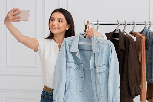 dijital-pazarlamada-moda-ve-tekstil-canli-yayin